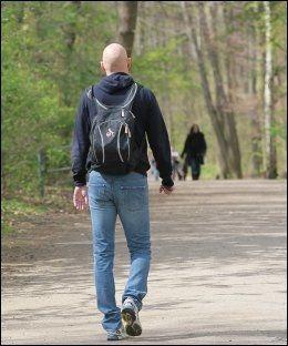 IKKE A WALK IN THE PARK: Ståle Solbakken forlater Kölns trening dagen før han får sparken. Foto: Herbert Bucco