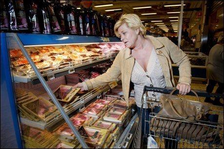 VELG OG VRAK: Frp-lederen vil gi norsk matkonsumenter større mulighet til å velge bort de norske kjøtt- og matvarene. Foto: Espen Braata