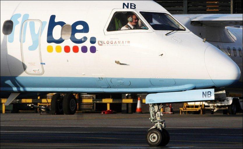SPARKET PILOTER: Det var ledelsen i det britiske flyselskapet Flybe som bestemte seg for å sparke de to pilotene etter krangelen. Nå har «kranglefantene» gått til sak mot det de mener var en urimelig avskjedigelse. Foto: Illustrasjonsfoto: Pa Photos