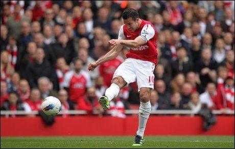 I SKUDDET: Robbin van Persie har gjort det bra for Arsenal denne sesongen. Foto: Pa Photos