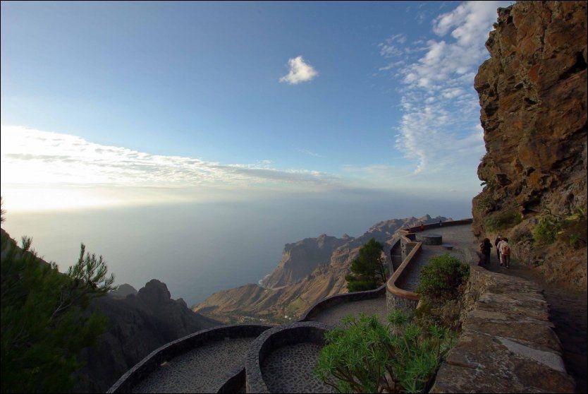 MIRADOR DE SANTO: Utsikt fra Arure ovalle Gran Rey, Store Kongedal. La Gomera er et eldorado for fjellvandrere. Foto: JAN LUDVIG HUNDVEBAKKE