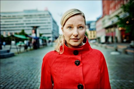 FÅR KRITIKK: Statsråd Inga Marte Thorkildsen (SV) får kritikk for å ha blandet seg i incestsak. Foto: KRISTER SØRBØ / VG
