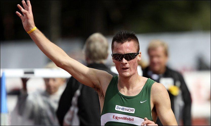 NY REKORD: Henrik Ingebrigtsen kunne etter mye knuffing underveis i løpet stoppe klokka til ny norsk rekord på 1500 meter, og slettet med det den gamle rekorden fra 1976. Her fra NM i Sandnes i 2010. Foto: Alf Ove Hansen, NTB Scanpix