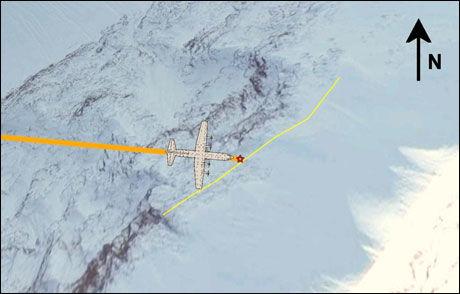 TREFFPUNKT: Her traff flyet fjellet. Høydekurven ved treffpunktet er markert med gul linje, og flyets innflyging med oransje linje. Foto: Havarikommisjonen