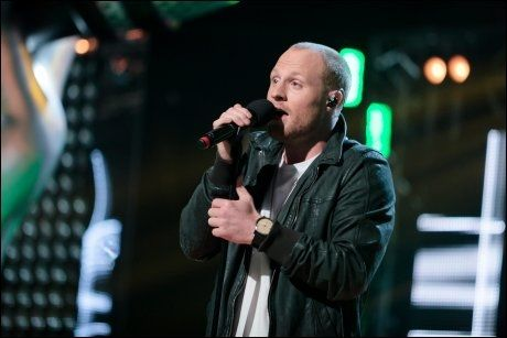 SONDRES HÅP: Aleksander Walmann Åsgården under The Voice-finalen. Foto:Robert Dreier T. Holand, TV2