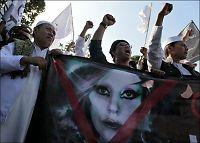 Lady Gaga avlyser etter trusler fra islamister