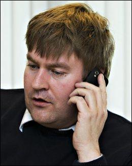 FÅR HENVENDELSER: Bekymrede pasienter tar kontakt med fungerende pasientombud Lars Magne Glesnes. Foto: FOTO: ROGER NEUMANN/VG