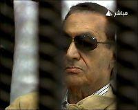 Mubarak dømt til livstid i fengsel
