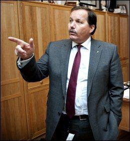 HÅPLØST: Frp-nestleder Per Arne Olsen vil innskjerpe varslingsrutinene ved tilsynssaker. Foto: ROBERT S. EIK