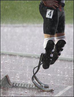 OMSTRIDTE BEIN: Oscar Pistorius sine verdenskjente flex legs. Foto: AP