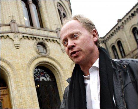 - DE ER RASISTER: Stortingsrepresentant Jan Arild Ellingsen liker overhodet ikke sammenligningen mellom Frp og Sverigedemokraterna. Bildet er fra en tidligere anledning. Foto: Gøran Bohlin, VG