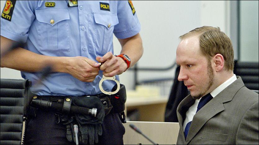GIR INFORMASJON: Massedrapsmannen Anders Behring Breivik (33) gir VG opplysninger han tidligere har nektet å fortelle politiet - blant annet om serberen han påstår han møtte i Liberia. Foto: NTB scanpix