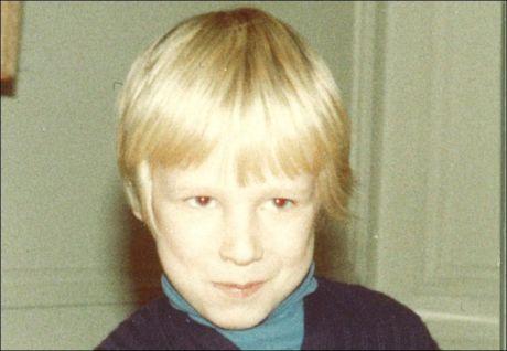 4 ÅR: På begynnelsen av 1980-tallet ble barnevernet koblet inn og en psykolog ble satt til å observere familien. Vedkommende mente at den lille gutten burde flyttes permanent ut av hjemmet. Foto: PRIVAT
