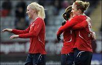 Herlovsen med fem mål i norsk kalas-seier