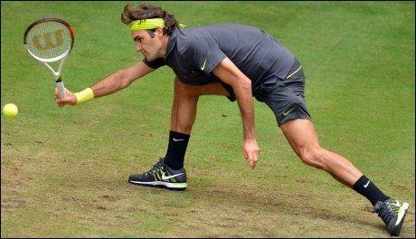 TAPTE: Roger Federer tapte sin første finalekamp i 2012. Her fra semifinalen i turneringen i Halle. Foto: AFP