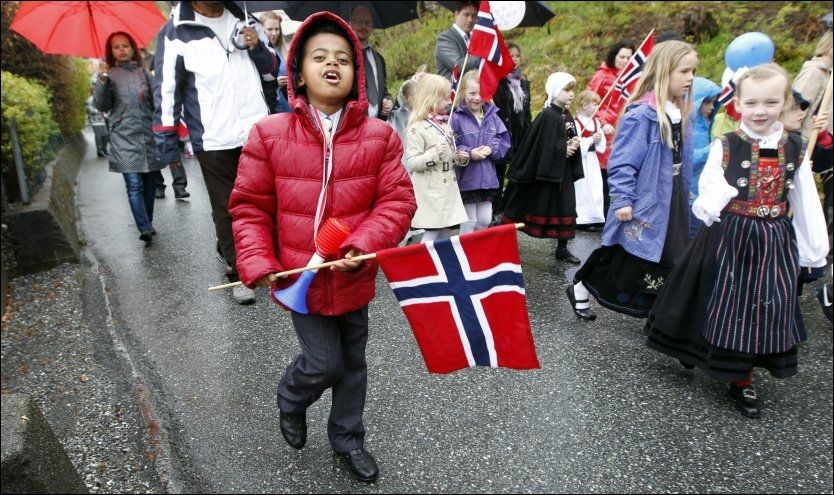 NORSK: I SSBs beregninger om innvandrerbefolkningen er også barn født i Norge men som har to foreldre som har innvandret til Norge medregnet i det SSB omtaler som innvandrerbefolkningen. I vår har debatten om hvorvidt sju år gamle Nathan (bildet) fra Bergen skal få bli i Norge og ikke bli sendt til foreldrenes hjemland Etiopia. Foto: Hallgeir Vågenes