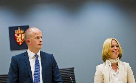 AKTORENE: Svein Holden og Inga Bejer Engh har den siste tiden jobbet dag og natt med prosedyren de avholdt torsdag. Foto: VEGARD GRØTT, NTB SCANPIX