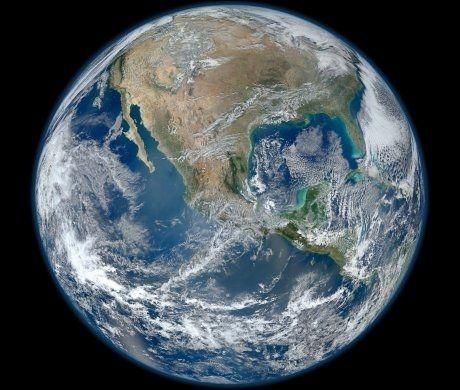 JORDEN: Innen 2050 kan halvparten av landarealene på jorden være i bruk, tror en rekke forskere. Foto: NASA / AFP / NTB Scanpix