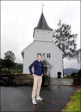 GIFTEKLAR: Knut Arild Hareide visste fredag ikke hva han skal ha på seg i Lund kirke når han gir Lisa Marie Larsen sitt ja lørdag. Foto: Hallgeir Vågenes
