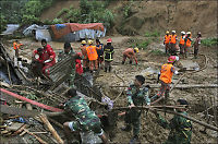 70 omkommet i uvær i Bangladesh