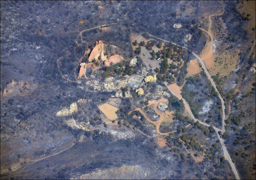 DØDELIG KATASTROFE: President Barack Obama har formelt erklært skogbrannene som har spredd seg til bebodde områder i Colorado som en katastrofe. Fem er så langt funnet døde. Foto: Reuters, NTB Scanpix