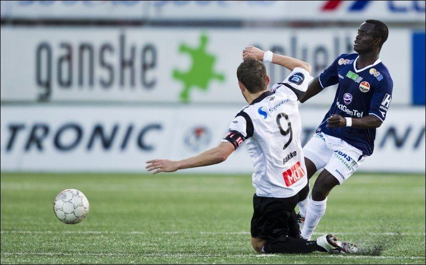 FORLATER GODSET: Mohammed Abu skulle egentlig ta avskjed med Marienlyst mot Hønefoss på lørdag, men mister kampen på grunn av en kneskade. Foto: Vegard Grøtt / NTB scanpix