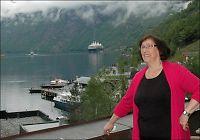 Solveig (81) har sommerjobb på hotell