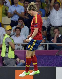 Spania lekte seg til EM-tittel