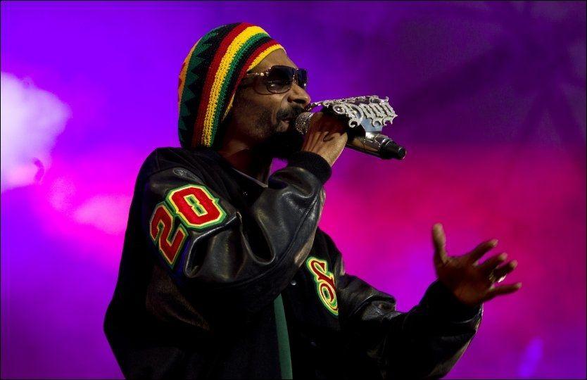 PÅ NORSK JORD: Torsdag sto Snoop Dogg på scenen på Hovefestivalen. Foto: Scanpix