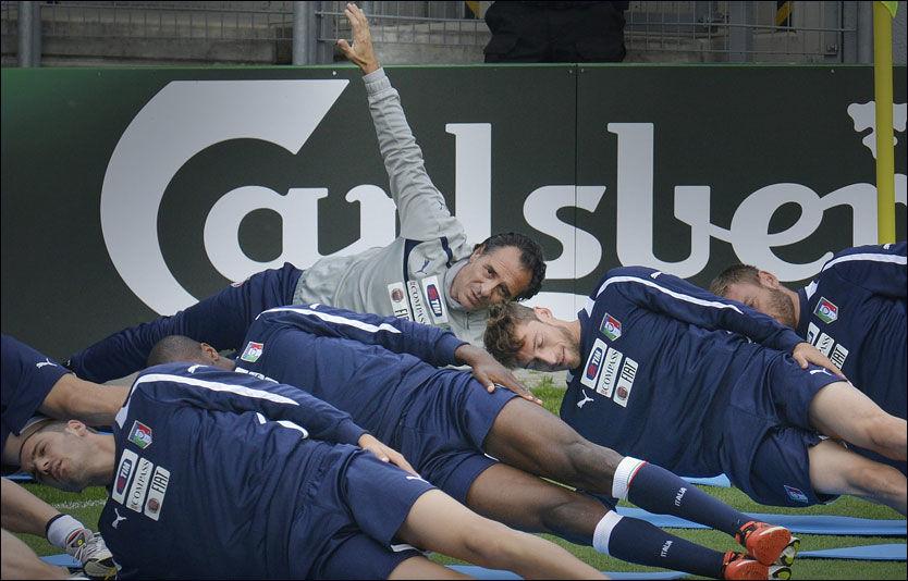 Hyller Prandellis Italia som «tidenes lag»
