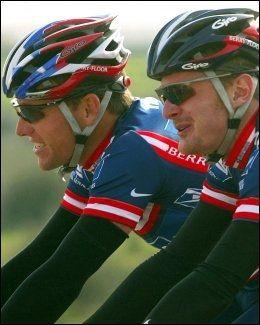 HEVDER HAN SÅ ARMSTRONG DOPE SEG: Floyd Landis (t.h.) var lagkamerat med Armstrong. I dag er de ikke like gode venner. Foto: AP