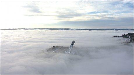 FJELLOVERGANG? Holmenkollen kan synes ugjestmildt for turister fra land uten fjell. FOTO: NRK Foto: