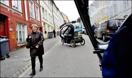BERGENSK SYKKELTAXI: Og det beste av alt er at 5 prosent av inntektene doneres til stiftelsen for 22/7-ofterene. Foto: Gøran Bohlin