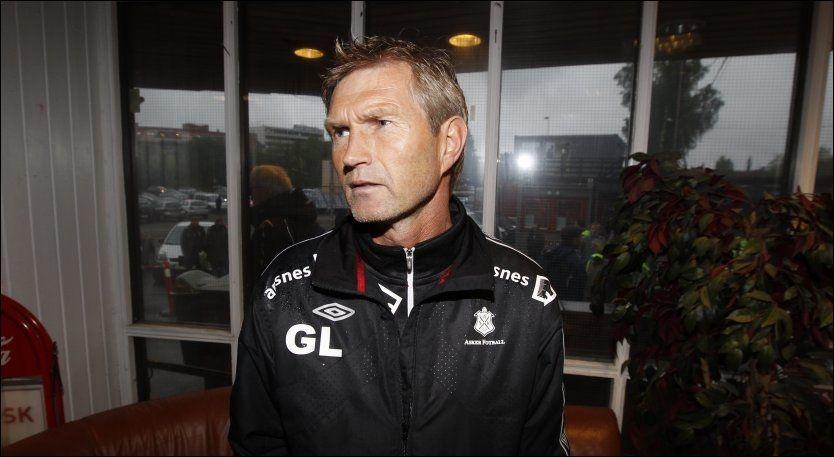 FRIGG-TAP: Asker-trener Gaute Larsen mener det var et slitent lag som tapte 7-1 mot Frigg i Oslo. Foto: Frode Hansen, VG