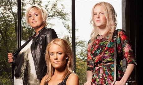 FLOPP: VGs anmelder gikk langt i å antyde at både de tre jentene og bydelen Frogner vil komme til å trenge omdømmehjelp etter premieren på TV3s nye dokusåpe «Frogner». F.v.: Cecilie, Linn-Frederikke og Silje. Foto: TV3