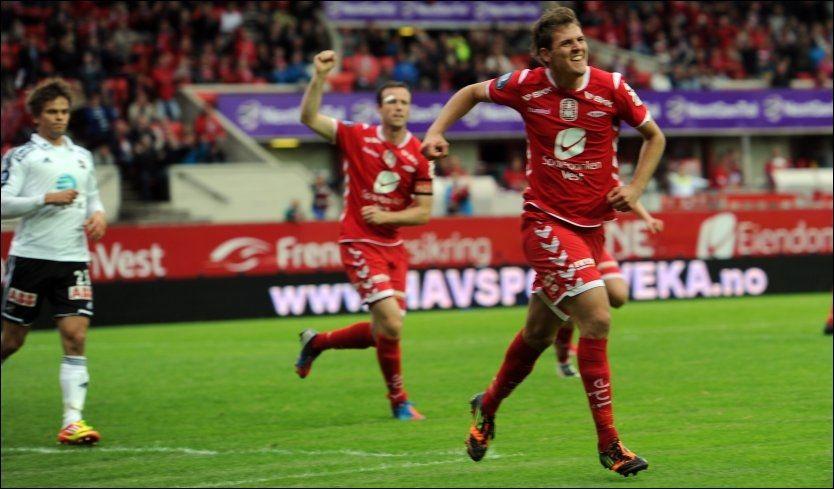 FEIRER: Zsolt Korcsmár gliser etter ett av mange mål i Branns seier over Odd. Foto: Marit Hommedal, NTB Scanpix