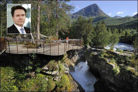 NATURKREFTER: Reiselivsdirektør Per-Arne Tuftin (52) har en annen personlig favoritt, men anbefaler gjerne Gudbrandsjuvet også. Foto: Jarle Wæhler, Turistvegprosjektet, Norsk Form