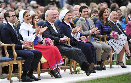 SAMLET: Hele den svenske kongefamilien var samlet under Victorias tradisjonelle fødselsdagsfeiring. På scenen stod blant annet Loreen. Foto: Reuters