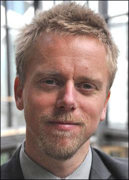 BEKLAGER: Tor Odland i Telenor beklager at Annette fikk «fuck you»-beskjeden. Foto: Telenor