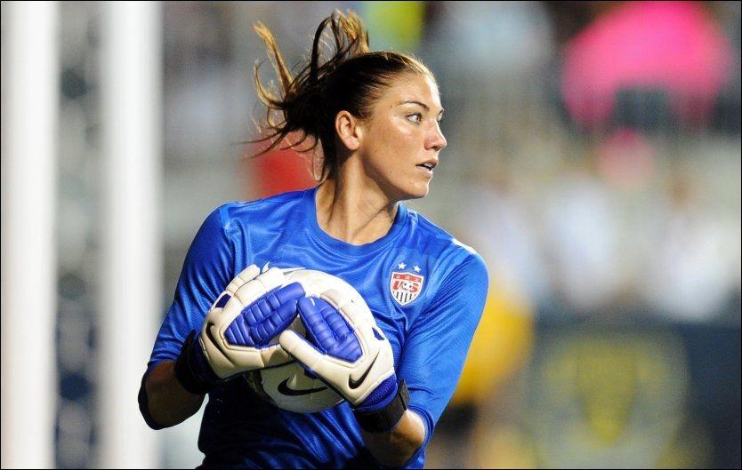 AVSLØRER: USAs fotballkeeper Hope Solo forteller om utstrakt sexaktivitet blant utøverne i OL. Foto: Drew Hallowell, AFP