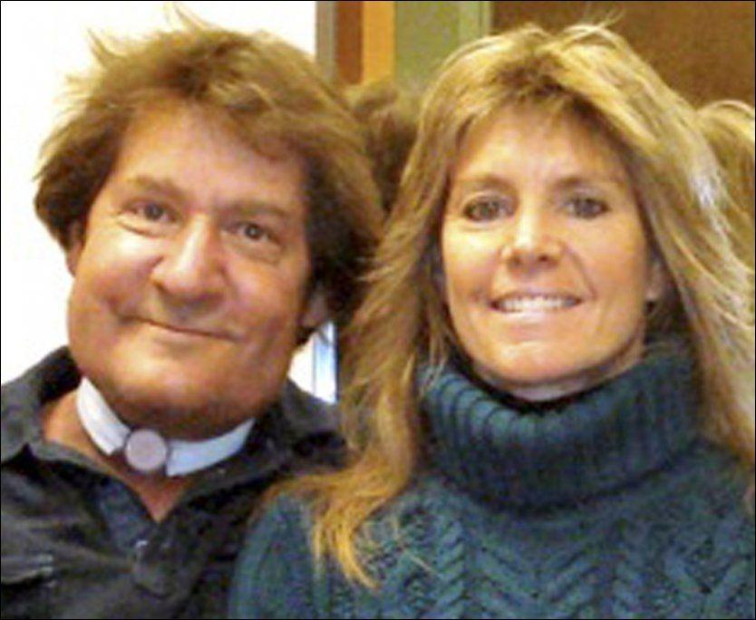 ANGRENDE SYNDER: Dette udaterte bildet viser Val Patterson og kona Mary Jane fra Utah i USA. Val tilsto sine synder da han skrev sin egen nekrolog. Foto: Starks Funeral Parlor / AP / NTB scanpix
