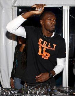 DJ: Ikke bare er Usain Bolt verdens raskeste mann, han er også DJ, noe han har vist i VIP-teltet under Bislett Games to år på rad. Foto: Daniel Sannum Lauten, Afp