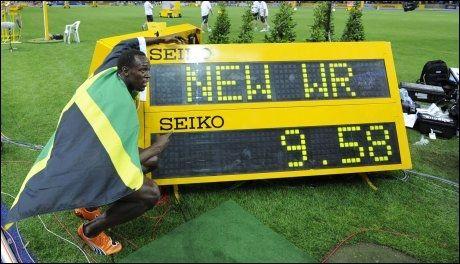 VERDENSREKORD: I august 2009 løp Usain Bolt inn til 9,58 på 100-meter. Foto: Afp