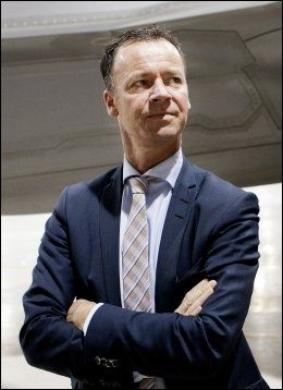 HELIKOPTER-KRITISK: Roger Ingebrigtsen, statssekretær i Forsvarsdepartementet, sier tålmodigheten er strukket langt overfor helikopterprodusenten NH Industries. Foto: Tore Meek / NTB Scanpix