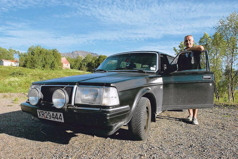 MILSLUKER: 245-modellen har vært innom Finland og Sverige noen ganger, men stort sett er det norske veier som har tatt seg av Volvo-en til Jann Nilsen fra Sortland. Foto: GARD LEHNE BORCH MICHALSEN