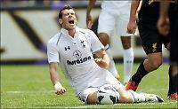 Gareth Bale rasende på Liverpools Charlie Adam