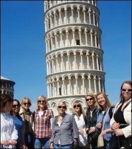 MÅTTE STENGES: Det skjeve tårn i Pisa måtte stenges i lang tid for å hindre at det skulle tippe helt over til siden. Foto: ANNE BERGSENG.