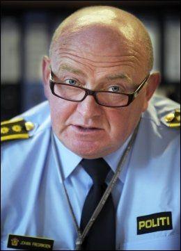 EVALUERER: Politiinspektør Johan Fredriksen sier bombeglippen vil bli nøye gjennomgått med den amerikanske ambassaden. Foto: HELGE MIKALSEN / VG
