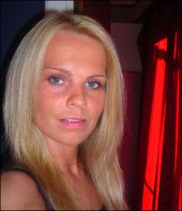 DATTEREN: Gry Åse Kristiansen (33) har vært sentral i leteaksjonen etter faren, Bjarne Kristiansen. Hun organiserte blant annet det frivillige letearbeidet. Foto: Privat