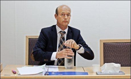 OMFATTENDE ETTERFORSKNING: Politiadvokat Christian Stenberg bekrefter at de etterforsker den 56 år gamle kommisjonæren for en rekke tilfeller av kampfiksing siden 2000. Her er Stenberg under fengslingsmøtet i Oslo tingrett der 56-åringen ble varetektsfengslet i forrige uke. FOTO: JØRGEN BRAASTAD